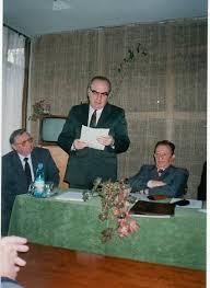Prof. univ. dr. Mihai Iacobescu, la Cluj-Napoca, la doctoratul lui Ilie Rad, intre proefsorii Paul Cornea si Eugen Beltechi.
