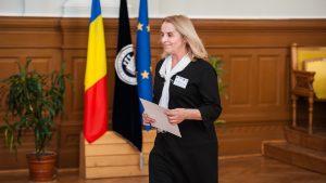 Maria Danilov, la Cluj-Napoca, 30 martie 2017, primind Diploma de Onoare din partea Asociatiei Romane de Istorie a Presei, cu ocazia implinirii a zece ani de la infiintare.
