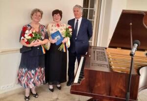 Doina Rad, pianista Dana Ciocarlie si Ilie Rad, dpa lansarea cartii, respectiv concertul sustinut, alaturi de celebrul pian Erard.
